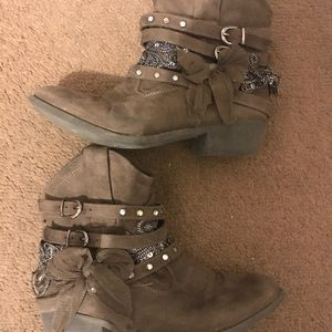 Ankle Boots Size 3 💕